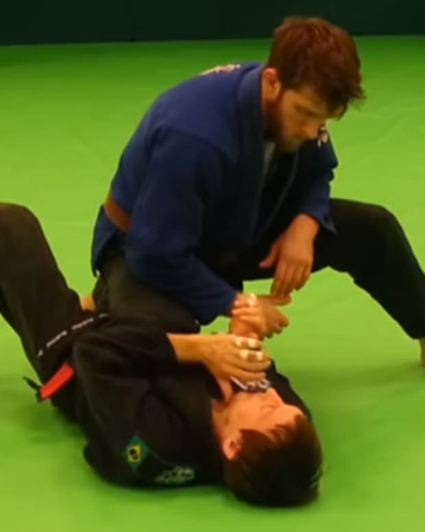 how-to-escape-knee-on-stomach