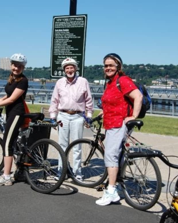 bicycling-in-new-york-city-is-fun