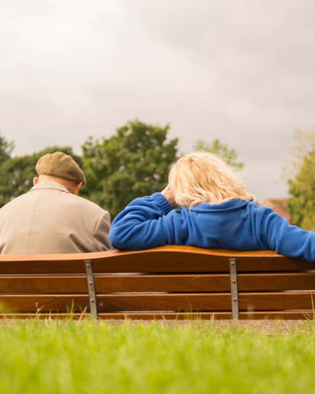 caring-for-a-family-member-with-dementia-selfcare-stress-reduction-support-reminders-coping-with-guilt