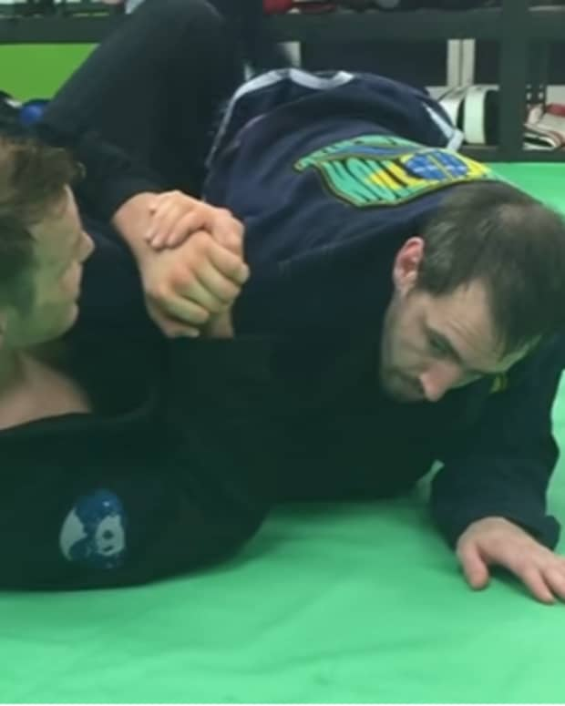 how-to-reverse-armbar-in-bjj-butterfly-guard