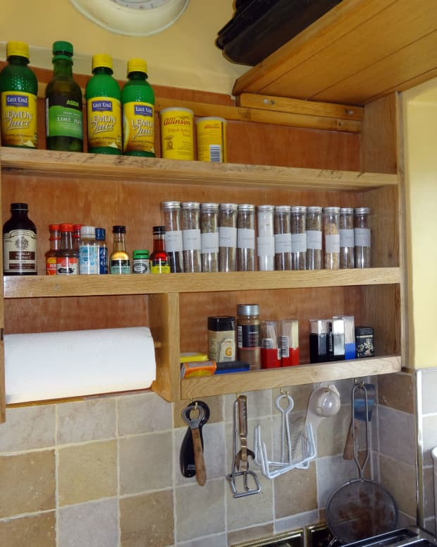 how-to-make-a-spice-rack-from-oak-floorboards
