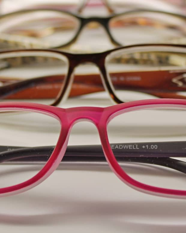 how-to-buy-your-glasses-from-budget-online-eye-wear-retailers