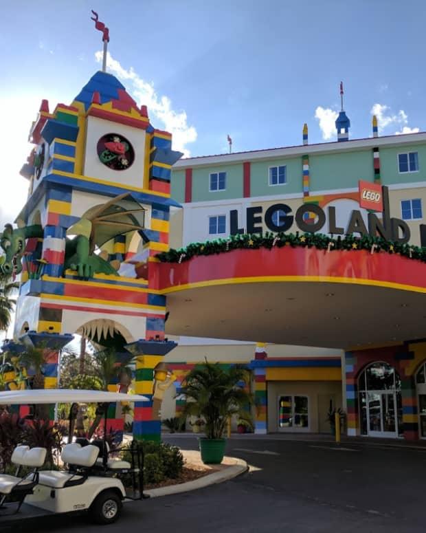 family-vacation-at-legoland-hotel-florida