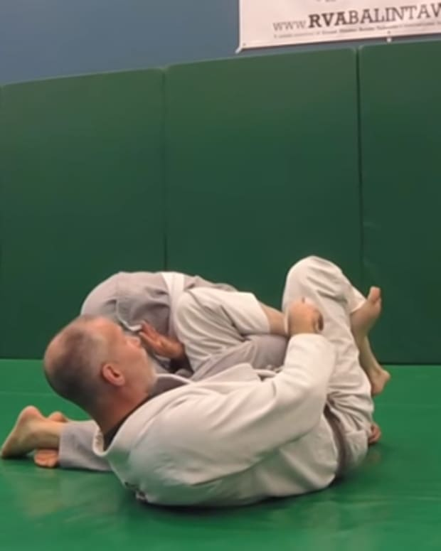 how-to-switch-from-omoplata-to-armbar