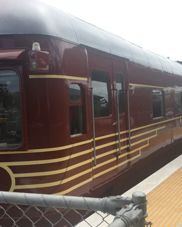 World's first solar-oowered train at Byron Bay station.