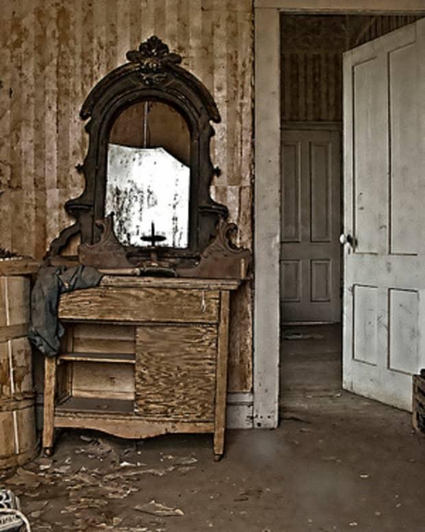 the-broken-mirror-poetry