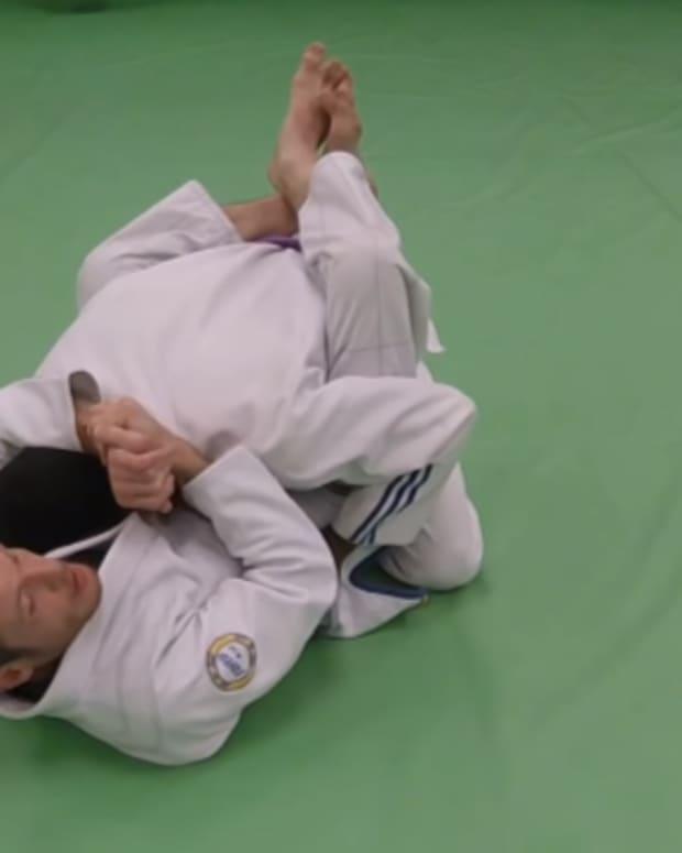how-to-break-posture-in-closed-guard