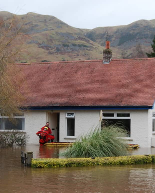 what-landlords-should-do-after-a-flood