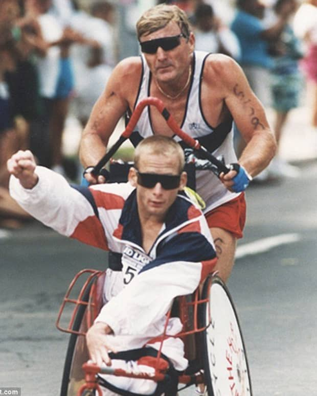 a-fathers-dedication-the-racing-world-of-dick-and-rick-hoyt