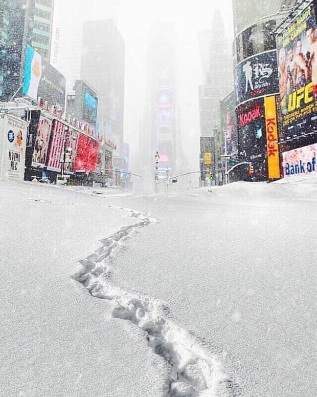 blizzard-in-times-square