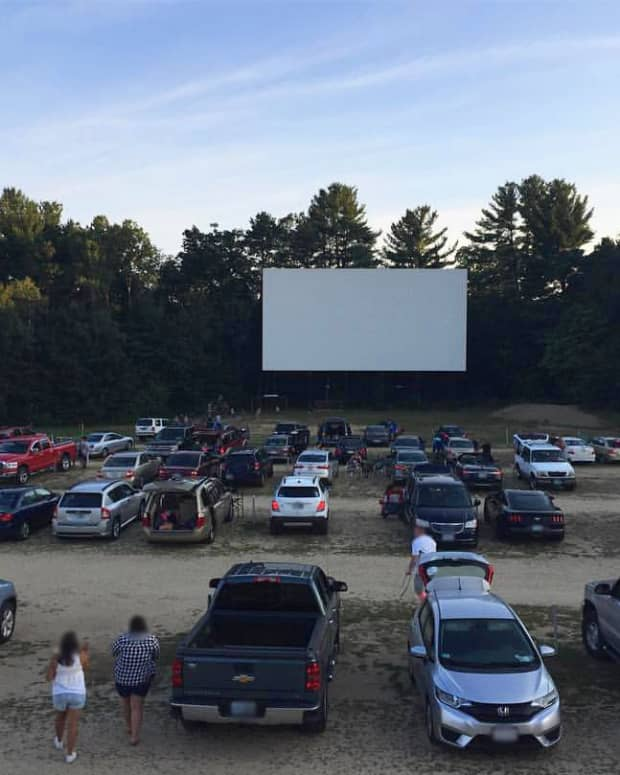 experiencing-real-life-inside-a-drive-in-theater
