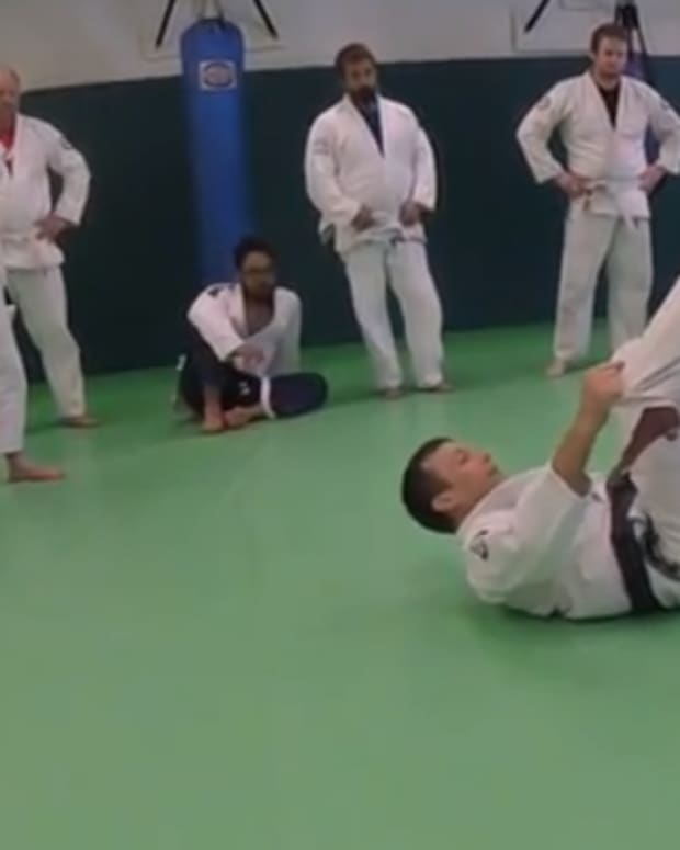 how-to-take-the-back-from-de-la-riva-guard