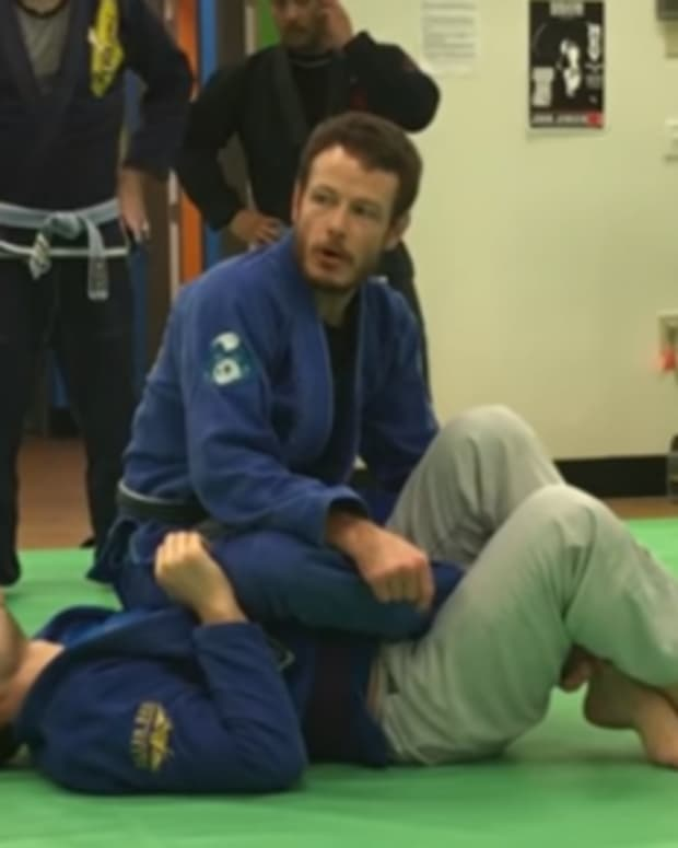 3-ways-to-get-to-the-backstepkneebar-position-in-bjj