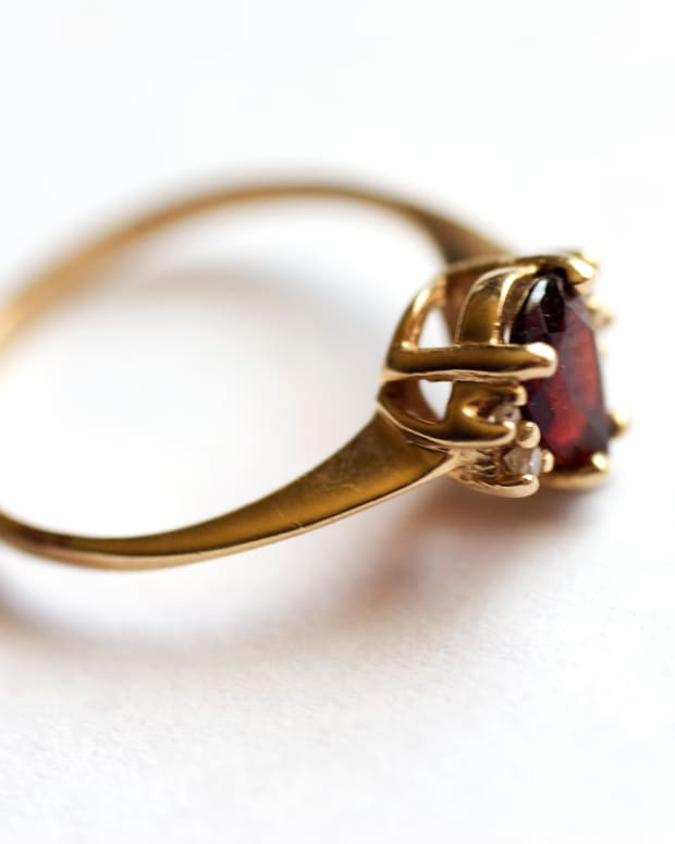 is-your-old-gold-and-silver-jewelry-real-now-you-can-know