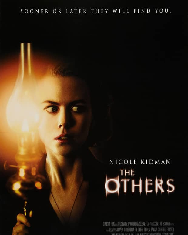 should-i-watch-the-others-2001