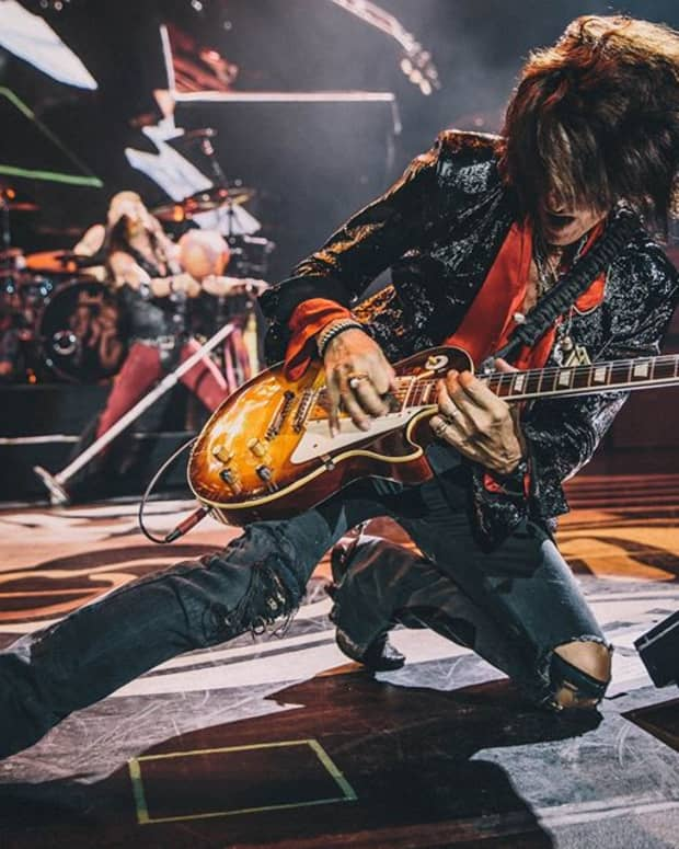 joe-perry-and-the-gibson-les-paul