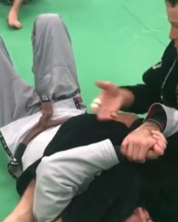 how-to-maintain-the-armbar-finish-position-top