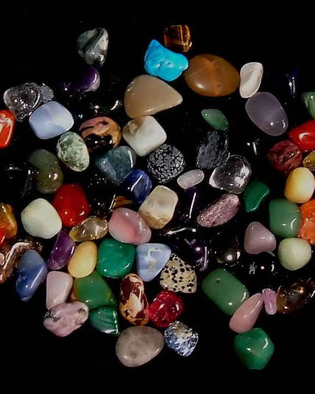 an-introduction-to-healing-stones-and-crystals