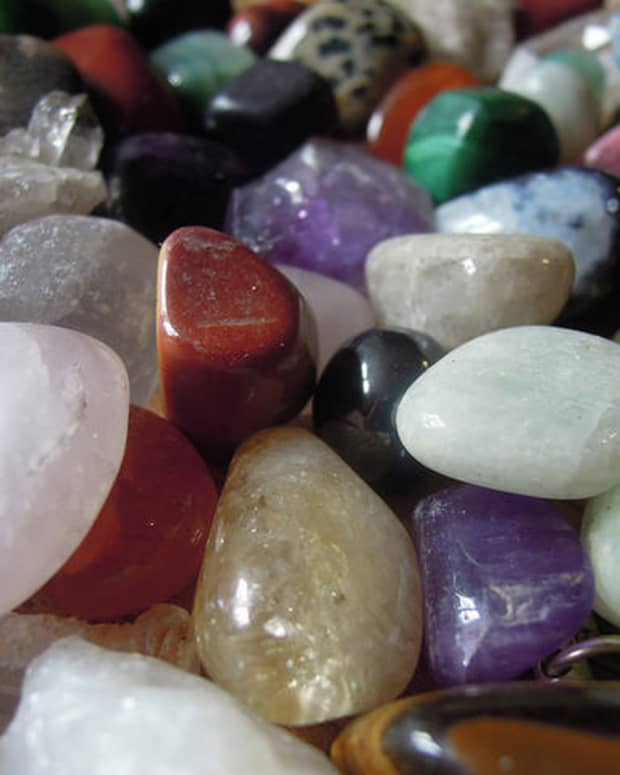 ten-common-questions-on-crystal-healing