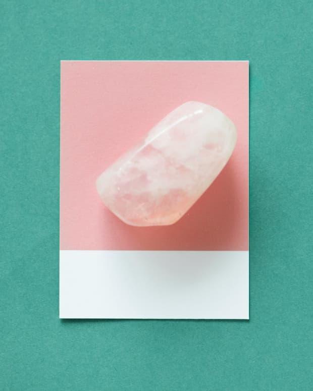 top-5-benefits-of-rose-quartz