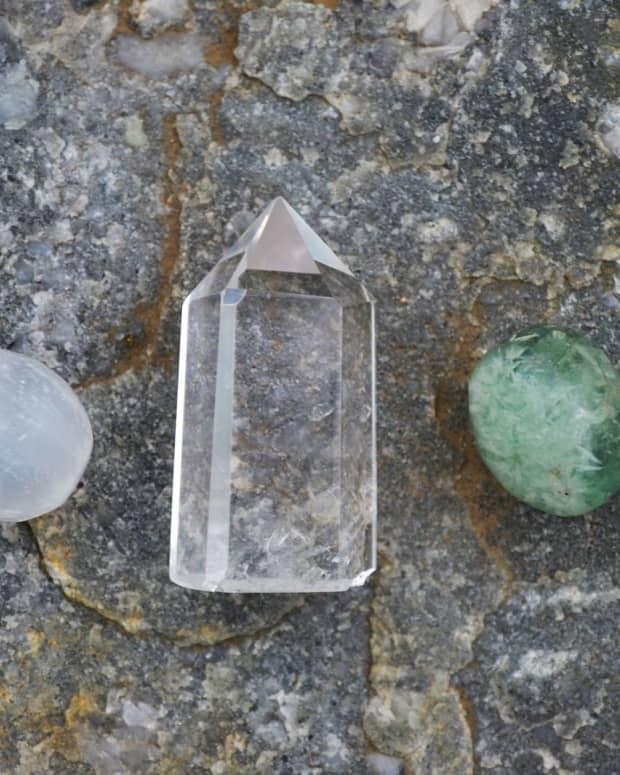 top-5-benefits-of-clear-quartz