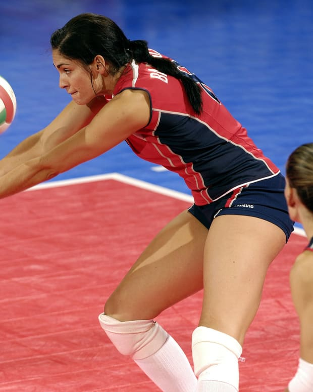 4-volleyball-drills-to-help-passing