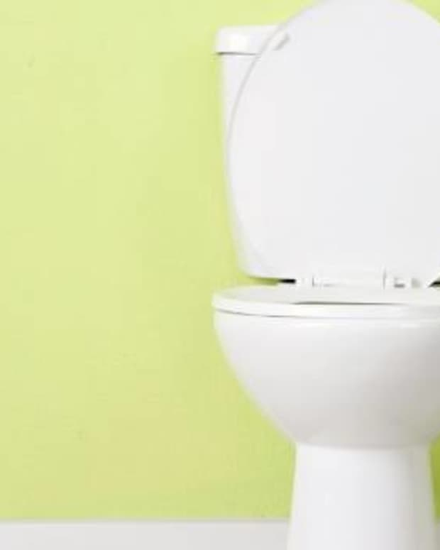 its-common-courtesy-to-leave-the-toilet-seat-down