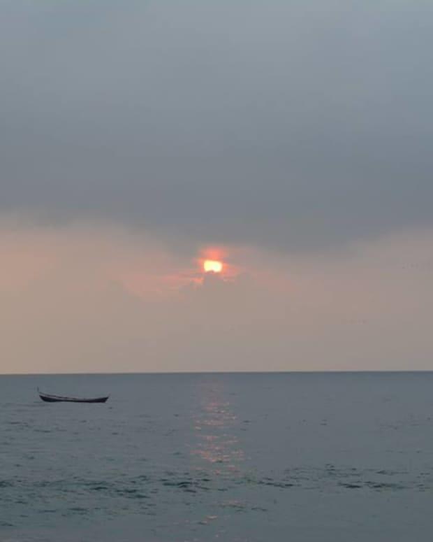 kovalam-beach-a-soujorn-in-response-to-ann-carr-annarts-beach-challenge