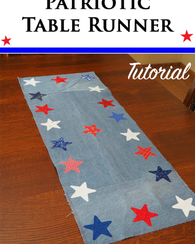 diy-patriotic-table-runner-made-with-repurposed-jeans-and-fabric-scraps