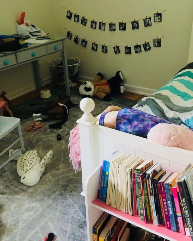 decluttering-tips-for-overwhelmed-parents