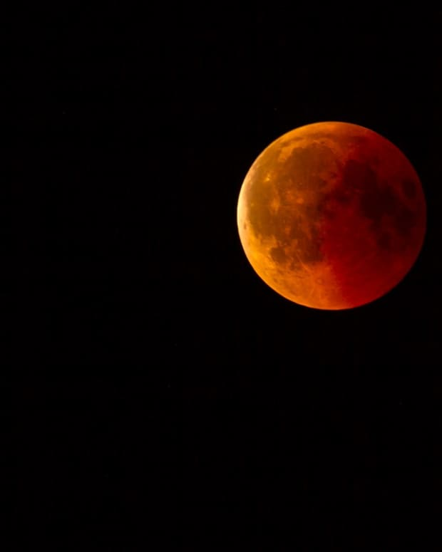 eclipse-of-the-moon-in-july-a-poem