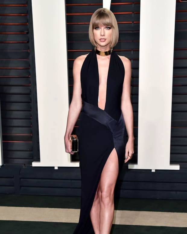 taylor-swifts-top-ten-red-carpet-looks