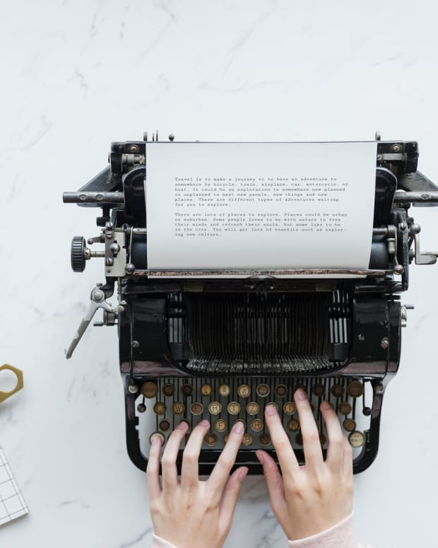 the-solitary-lifestyle-of-the-poet-vs-writing-for-the-multitudes-an-essay