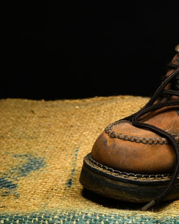 loose-shoes-a-poem