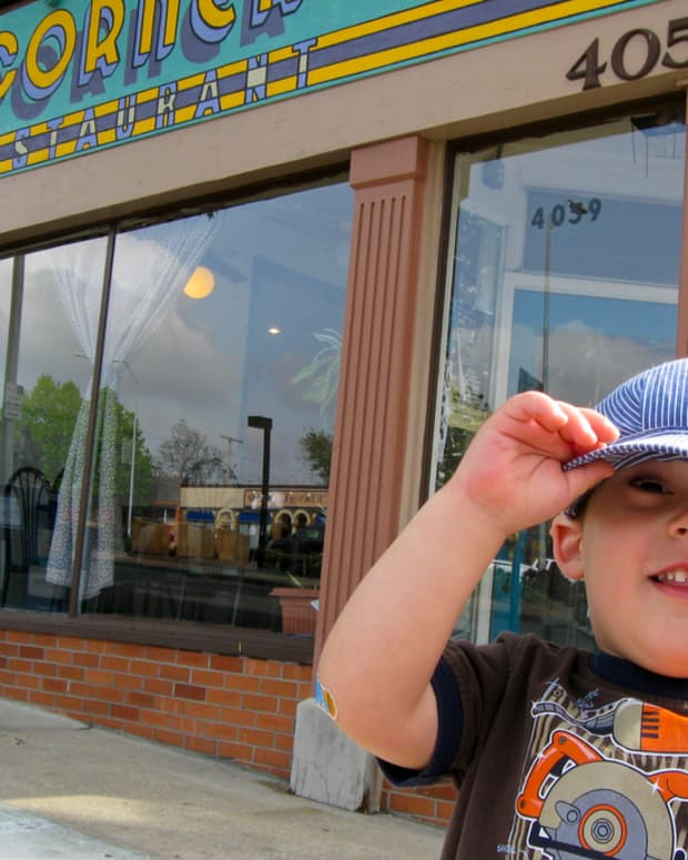 7-tips-for-eating-in-a-restaurant-with-kids