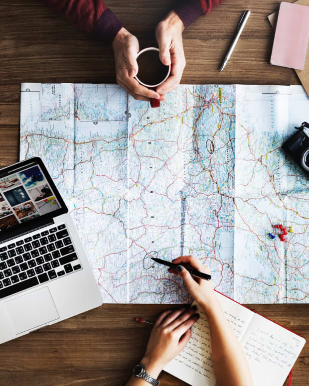 3-tips-to-follow-when-travelling-with-a-large-family