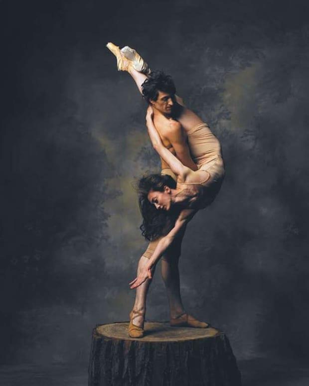 metamorphosis-artistic-dancer