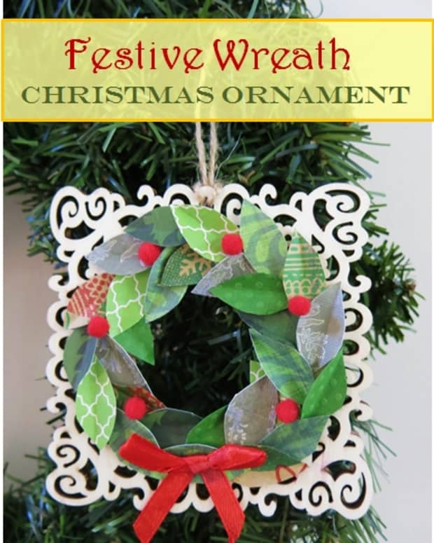 diy-holiday-craft-how-to-make-a-farmhouse-wreath-christmas-ornament-using-scrap-paper