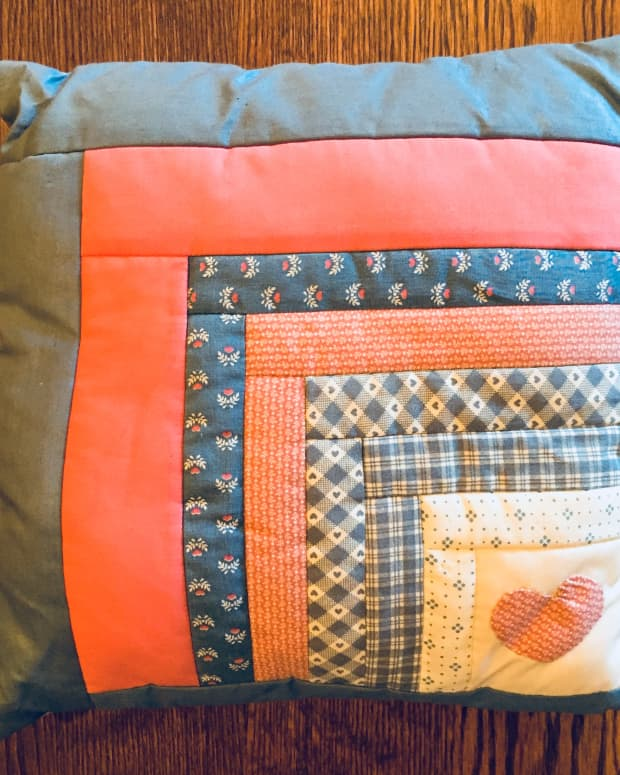how-to-make-a-log-cabin-pillow-or-quilt-piece
