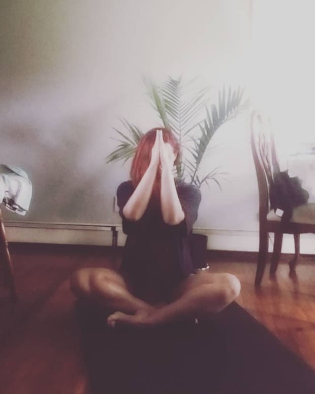 5-yoga-poses-to-do-in-the-evening