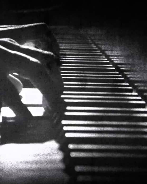 piano-tiles-ghost-love-story