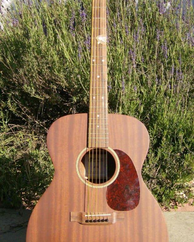 martins-inexpensive-jumbo-guitar-the-martin-j-15