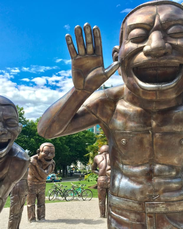 public-art-by-the-ocean-vancouver-statues-and-sculptures