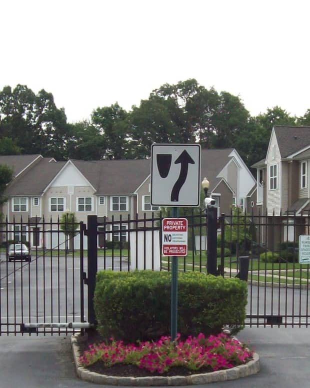 hoas-vs-homeowners-rights-responsibilities