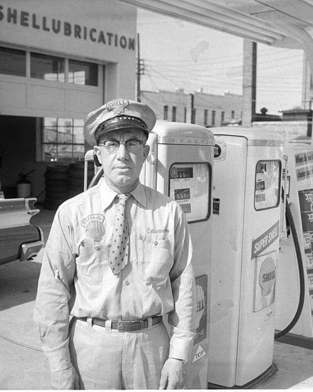 -once-upon-a-time-at-a-gas-station