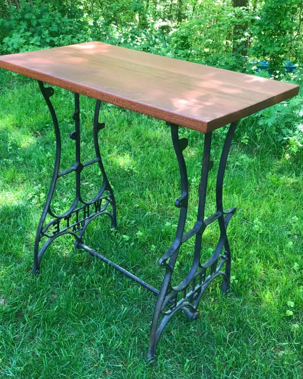 how-to-repurpose-an-antique-sewing-machine-table