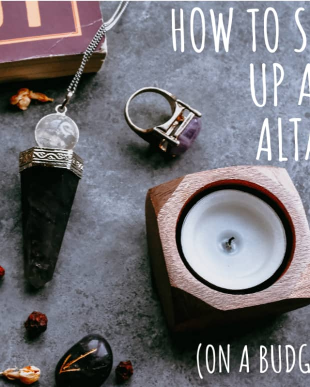 wiccan-altar-set-up-for-beginner-wiccans-or-wiccans-on-a-budget