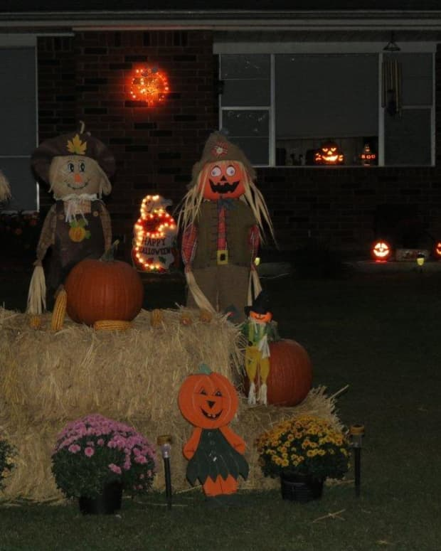 a-bizarre-event-occurred-in-a-small-town-on-halloween-night