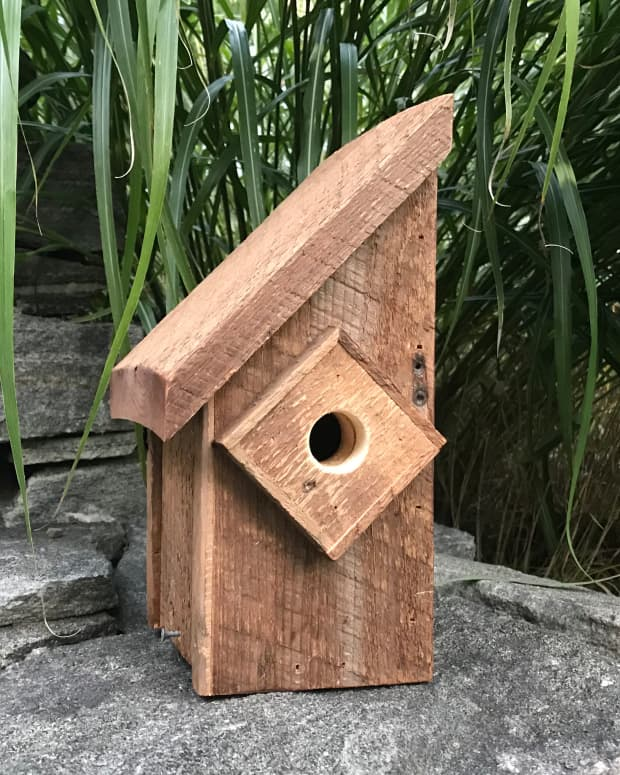 barn-wood-birdhouse-how-to-build-a-rustic-handcrafted-birdhouse