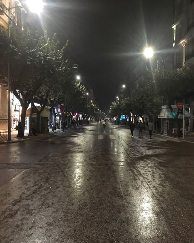 surviving-a-protest-in-greece